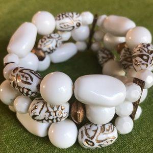 Retro white Lucite bead bracelet jewelry